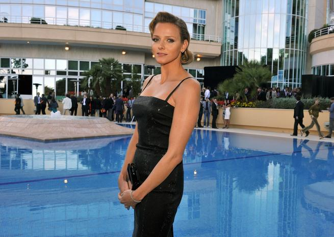 Charlene Wittstock, girlfriend of Prince Albert II of Monaco, attends the Amber Fashion Show and Auction held at the Meridien Beach Plaza. AMBER LOUNGE FASHION DEFILE DE MODE EN PRESENCE DES PILOTES DE FORMULE 1 ET DE CHARLENEWITTSTOCK ET DU PRINCEALBERTII DE MONACO AU BENEFICE DE SPECIAL OLYMPICS AU L'HOTEL MERIDIEN DE MOTNE CARLO  <em>SIPA</em>