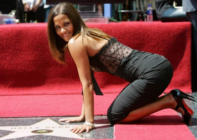 Le 3 avril 2007, Halle Berry inaugure son étoile sur le Walk of Fame <em>AFP</em>