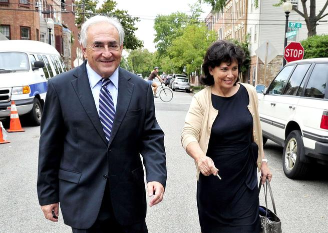 Dominique Strauss-Kahn et Anne Sinclair sur Dumbarton Street <em>SIPA</em>