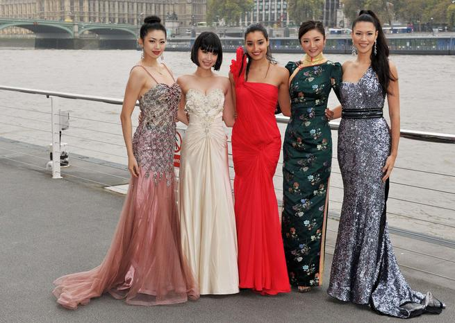 Miss Chine, Miss Japon, Miss Inde, Miss Hong Kong, Miss Philippines <em>SIPA/Rex Features</em>