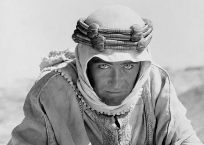 "Peter O'Toole dans ""Lawrence d'Arabie"" de David Lean en 1962 <em>Columbia Pictures</em>"