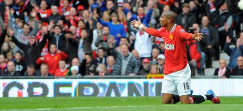 Ashley Young, de corvée de plonge, dimanche, contre Aston Villa