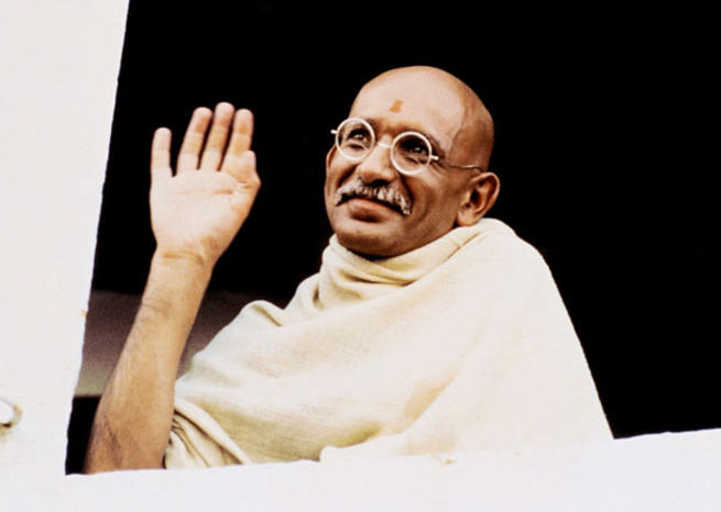 Ben Kingsley en Gandhi dans ''GANDHI'' (1982), de Richard Attenborough (© Columbia Pictures) <em></em>