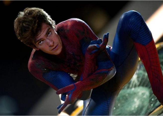"Andrew Garfield incarne le nouveau Peter Parker alias Spider-Man, dans ""The Amazing Spider-Man"" réalisé par Marc Webb (2012). <em>Sony Pictures Releasing France</em>"
