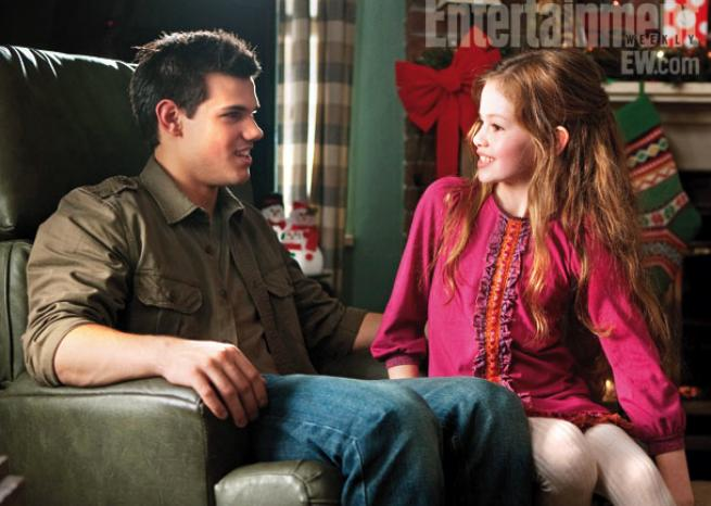 Taylor Lautner et Mackenzie Foy. <em>DR/Summit Entertainment & Entertainment Weekly</em>